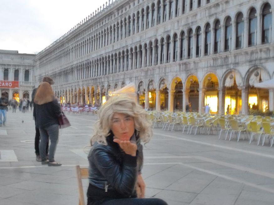 Piazza San Marco kiss